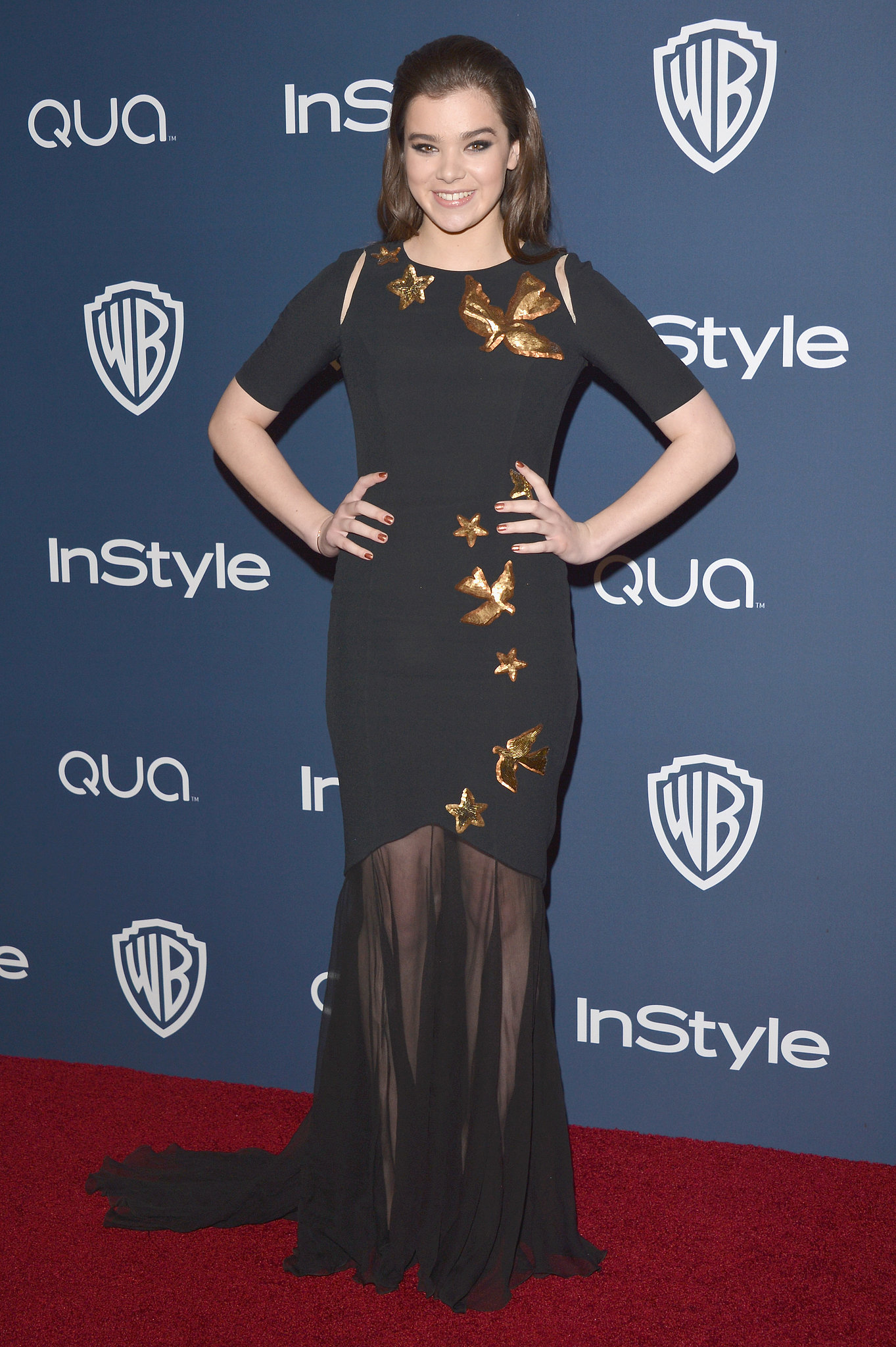 Hailee Steinfeld wore an Andrew Gn dress.