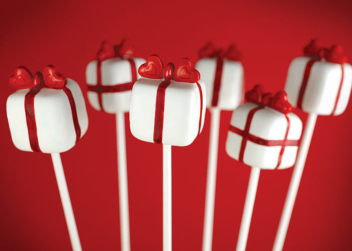 Heart-Topped Box Pops
