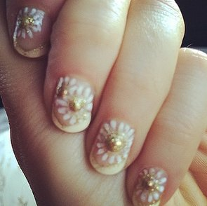 DIY Zooey Deschanel's Golden Globes Nails Now