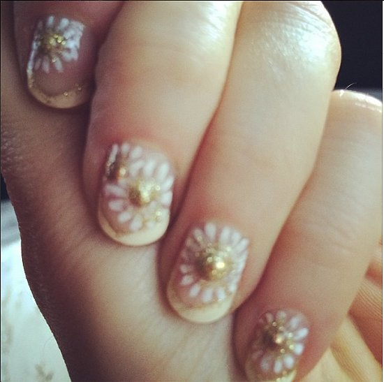 Celebrity Beauty: Zooey Deschanel's Best Nail Art
