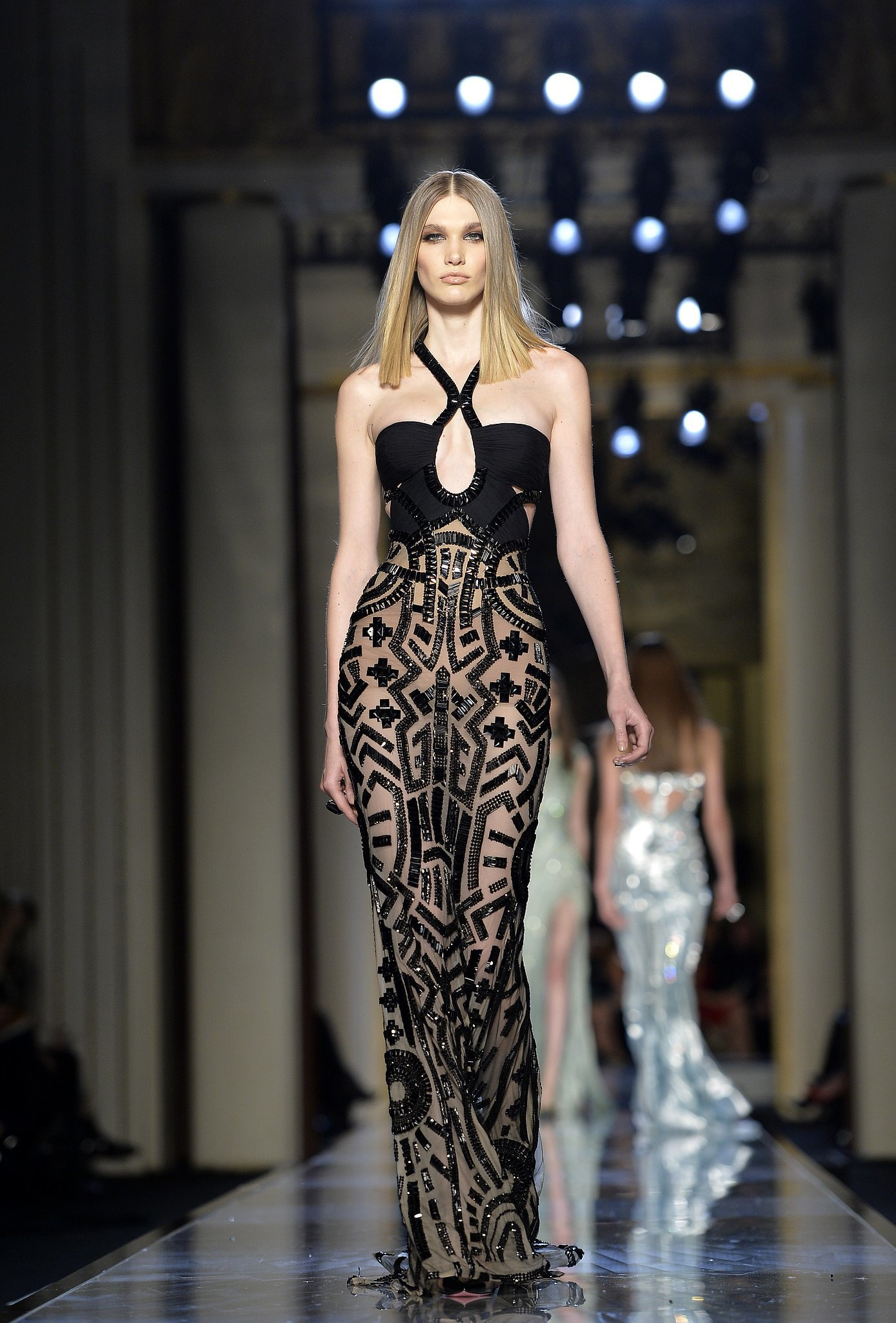 Atelier versace haute couture spring 2014 donatella has for Hout couture