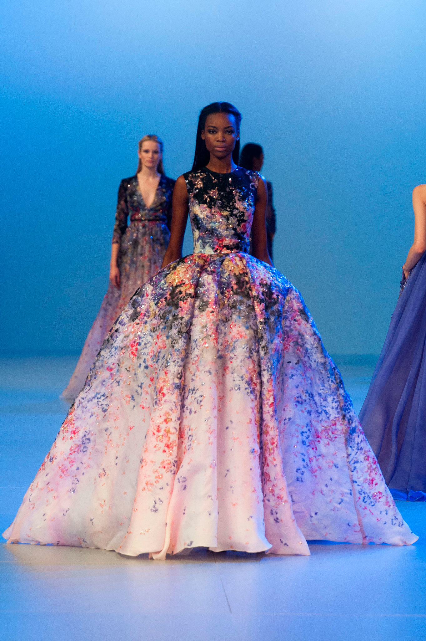 Elie saab haute couture spring 2014 we bet you one of for Haute couture today