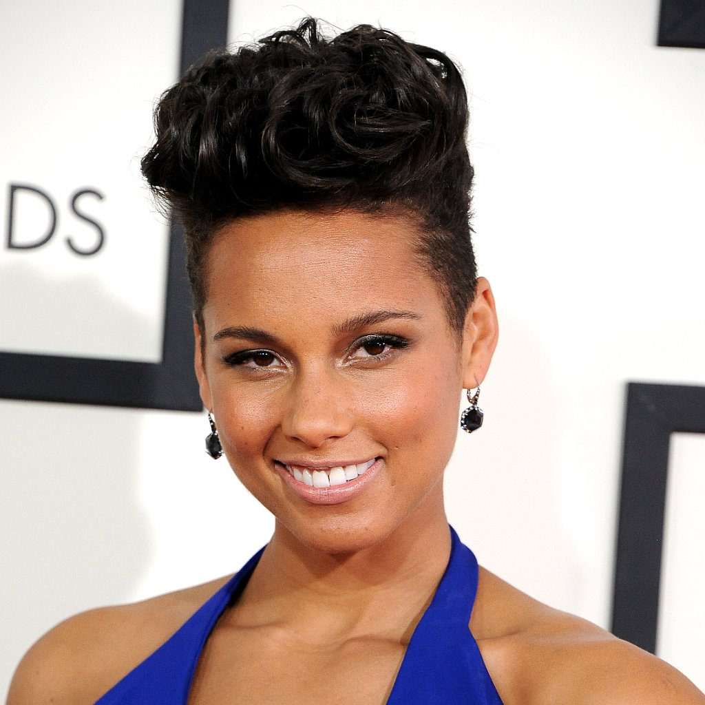 Alicia Keys's Hair and Makeup at the Grammys 2014