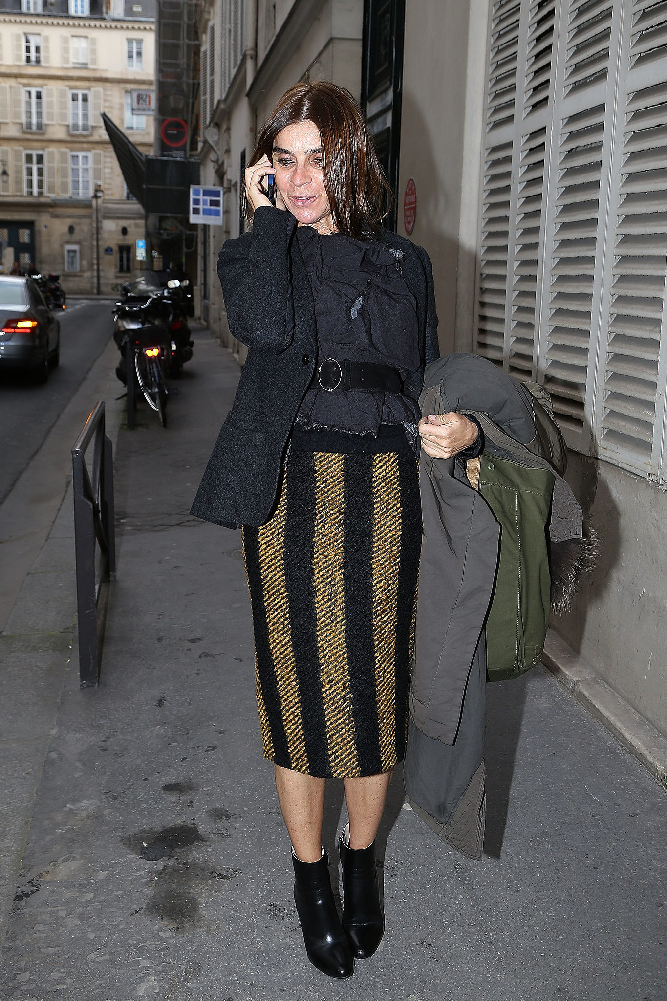 Carine Roitfeld spotted on the streets of Paris.