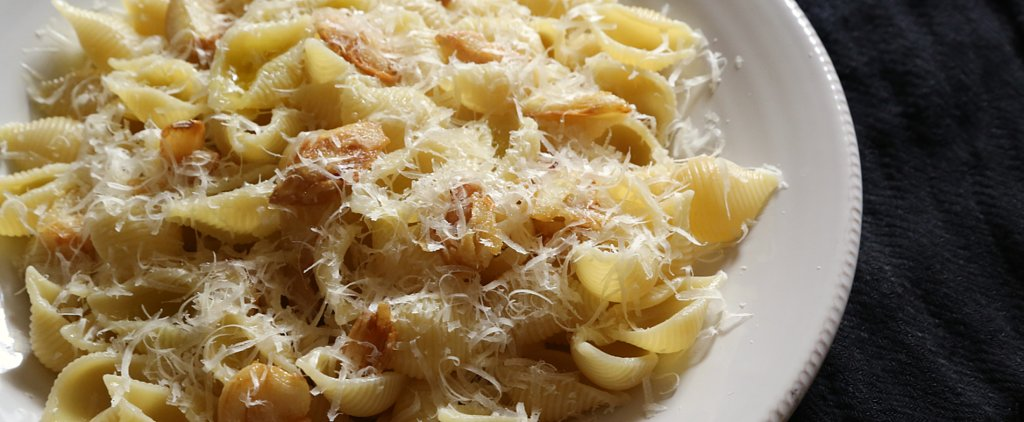 A Caramelized Garlic Pasta Recipe That Celebrates Singledom