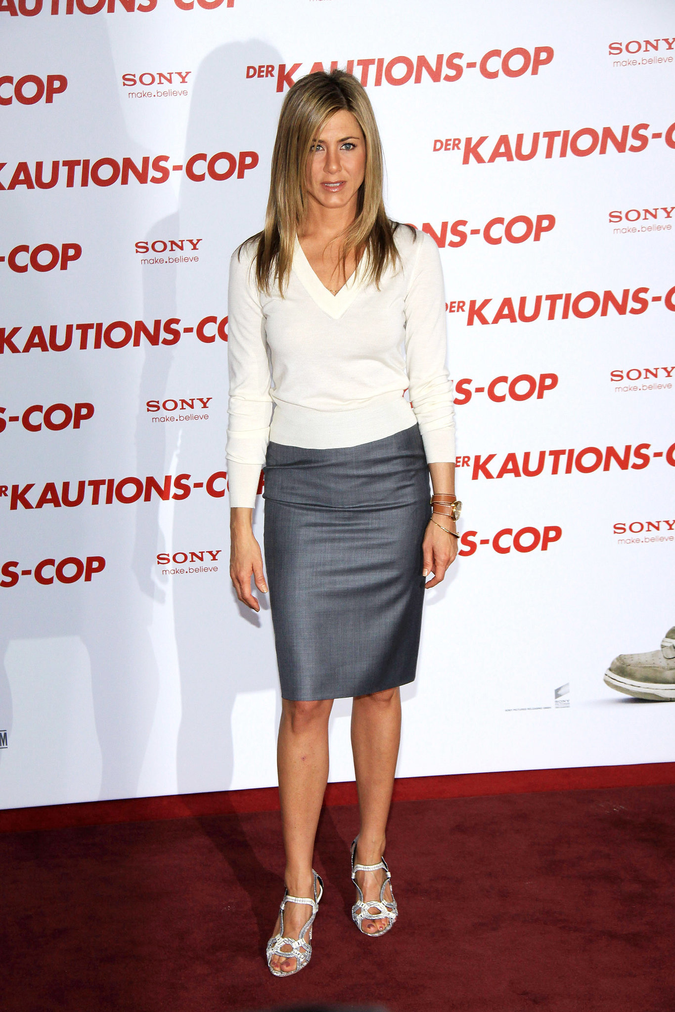 Jennifer Aniston Red Carpet Style How Jennifer Aniston Went From Friend To Fashion Fatale