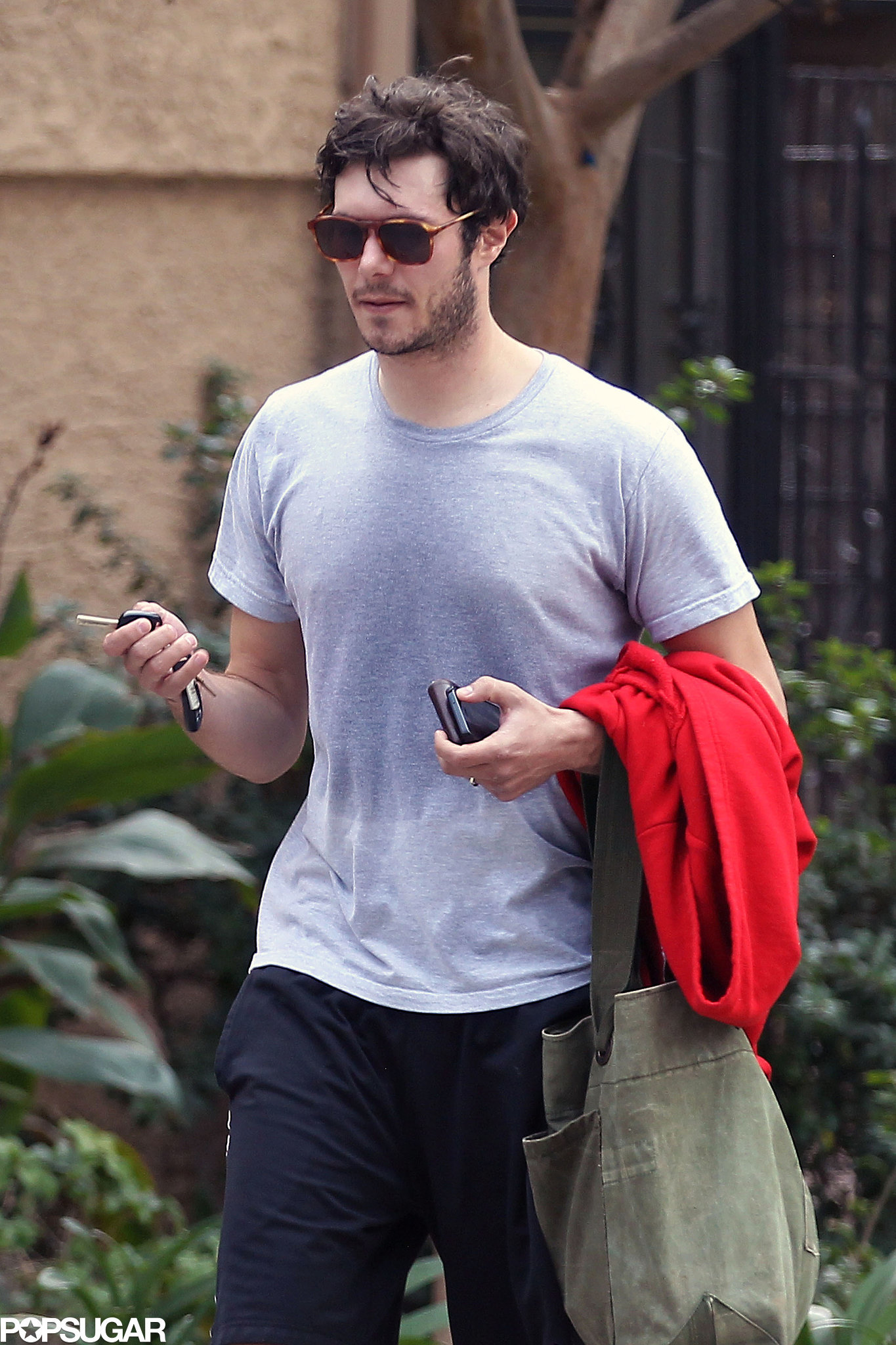 Adam Brody showed off his wedding ring after secretly marrying Leighton Meester.