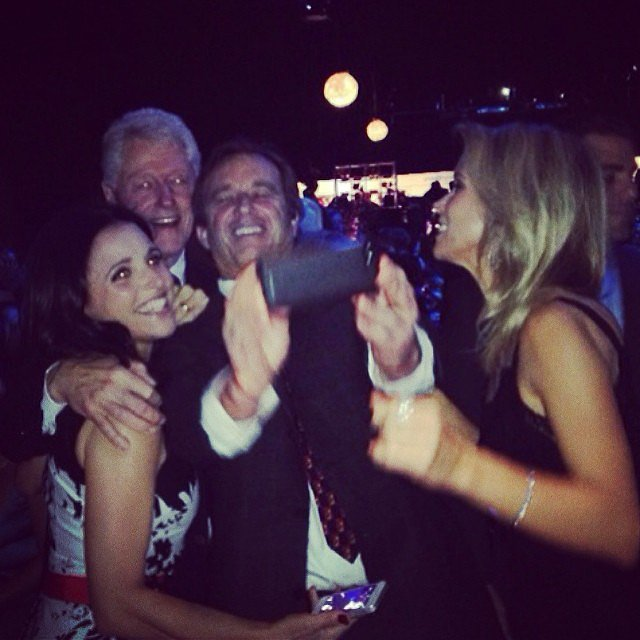 Julia Louis-Dreyfus snapped an amazing selfie with Bill Clinton. Source: Instagram user officialjld