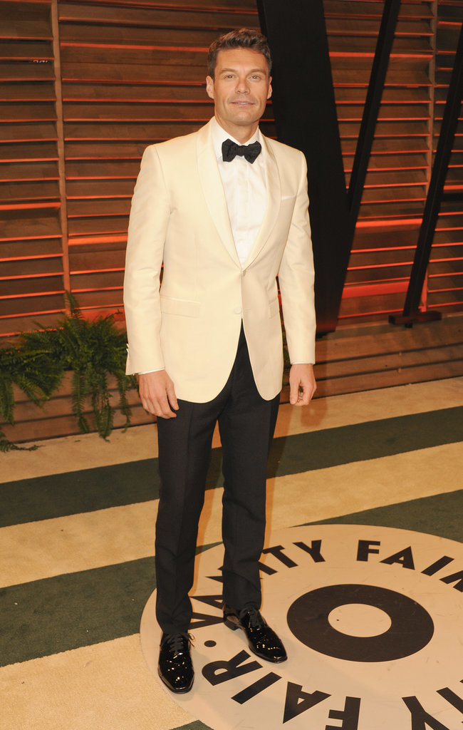 Ryan Seacrest kept the same tux on all night.