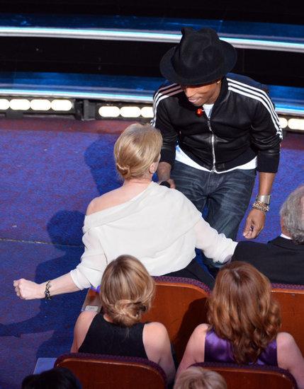 Pharrell-shimmied-Meryl-Streep-during-his-performance-Happy