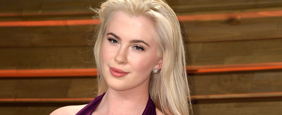 Ireland Baldwin Makes Purple Hair an Official Trend
