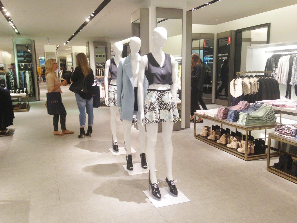 Zara at Fashion Valley - A Shopping Center in San Diego, CA - A 89