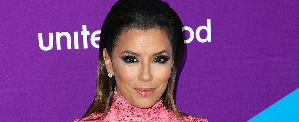"Eva Longoria Talks Beauty and Being the ""Ugly Duckling"" of the Family"
