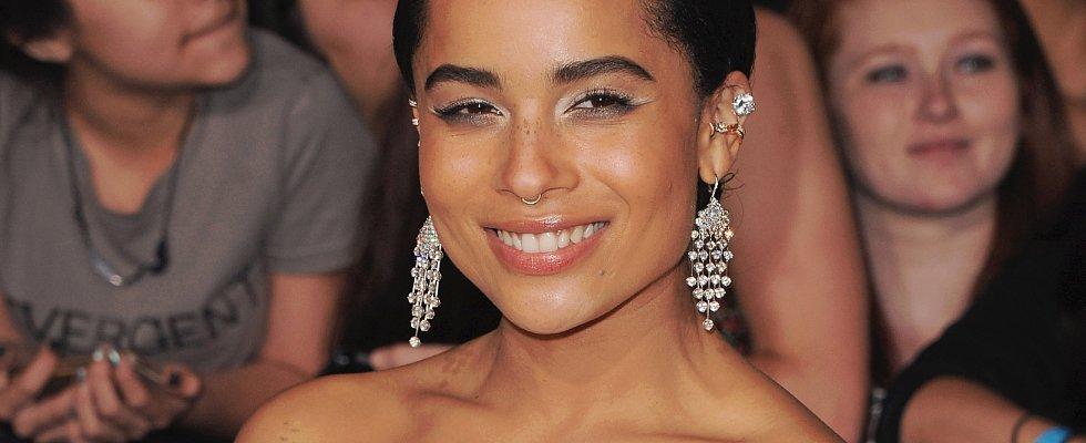 Zoë Kravitz's White Eye Makeup Has Us in a Spin