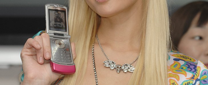 The 20 Stages of Your Life With Cell Phones