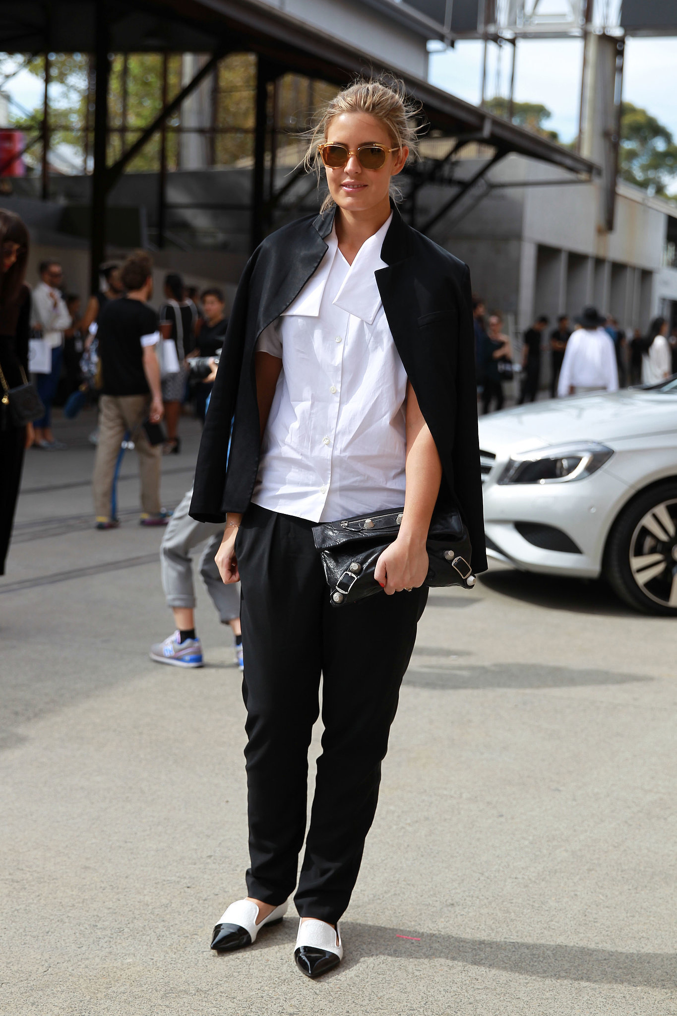 Street Style At Australia Fashion Week Over 50 Must See Street Snaps From Sydney Fashion Week