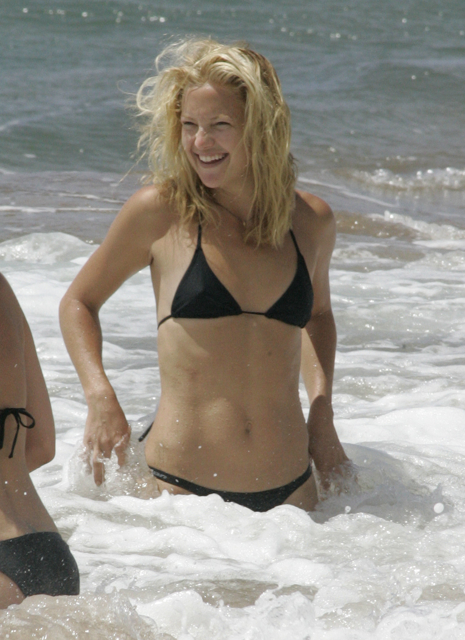 In September 2006, Kate splashed around the waves in Hawaii.