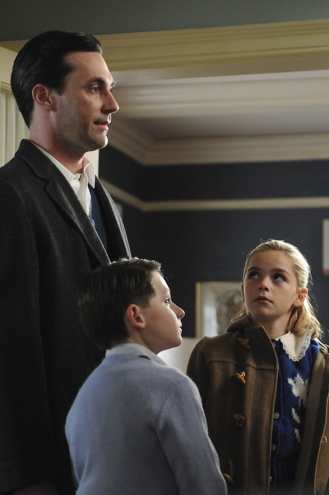 As Betty's parenting skills continue to wane, Don is forced to become more present in his kids' lives.