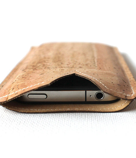 Time to Give Your Phone a Sustainable Accessory