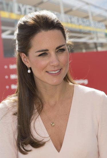 Royal cleavage, ladies and gentlemen.