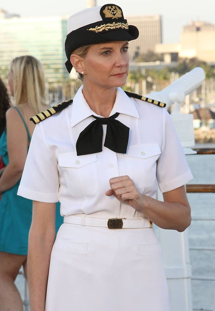 Kerri Kenney guest-stars as Captain Jan Nortis.