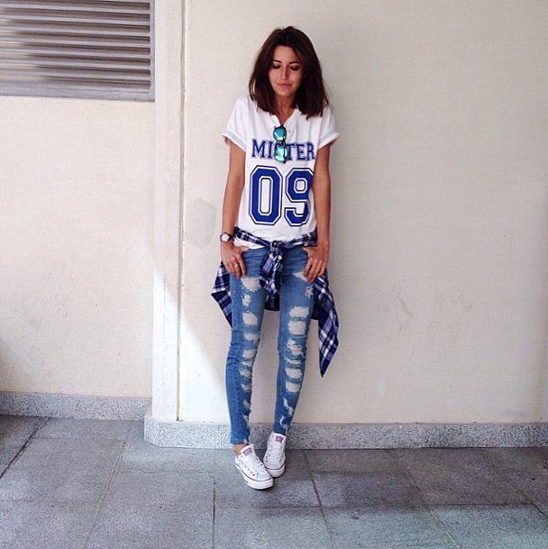 Even if you're not a sports fan, you can fake it with a cool-girl jersey tee and distressed denim for a day at the game.  Source: Instagram user lovelypepa