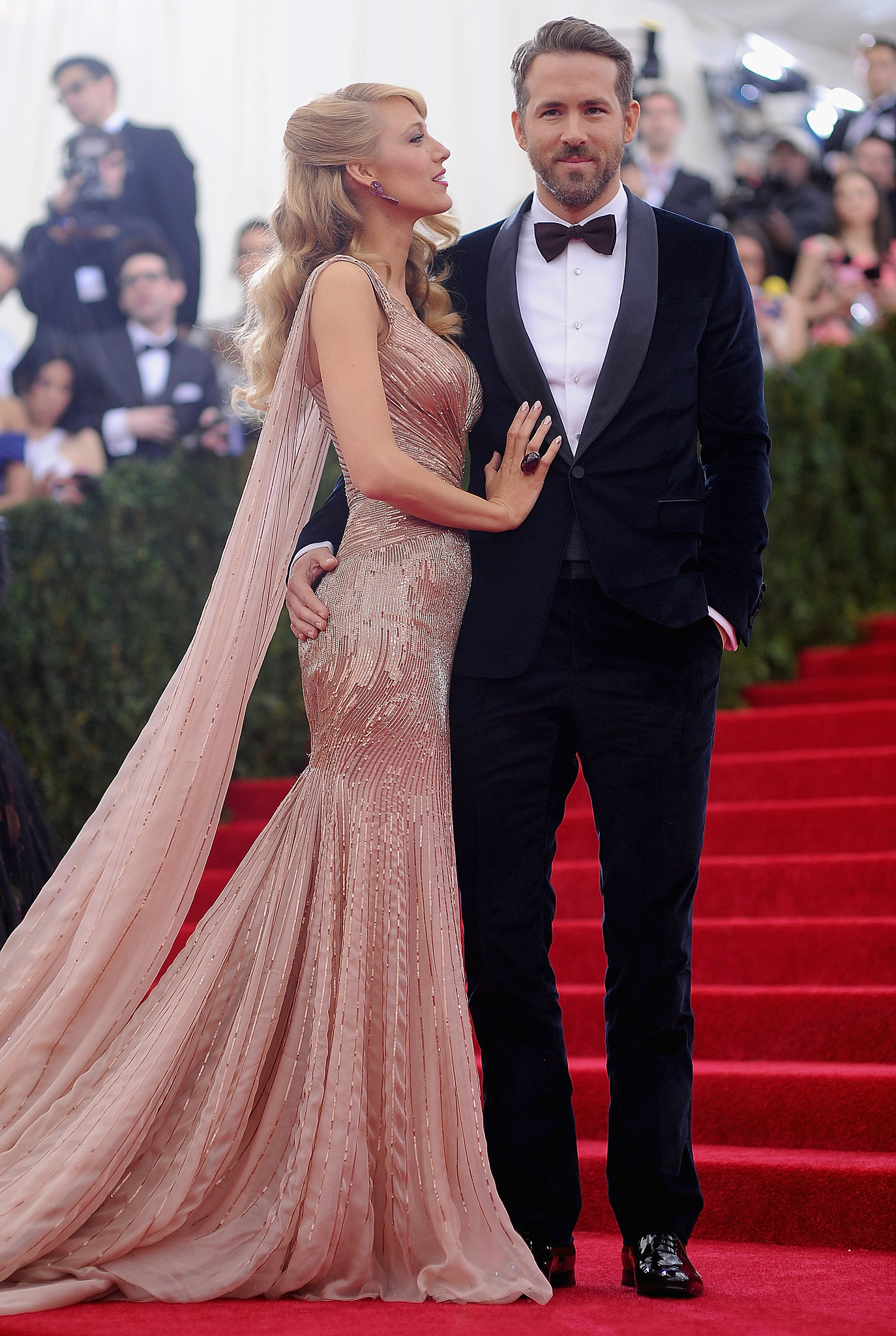 Blake Lively and Ryan Reynolds looked like quite the golden couple when they arrived at the 2014 Met Gala in NYC.