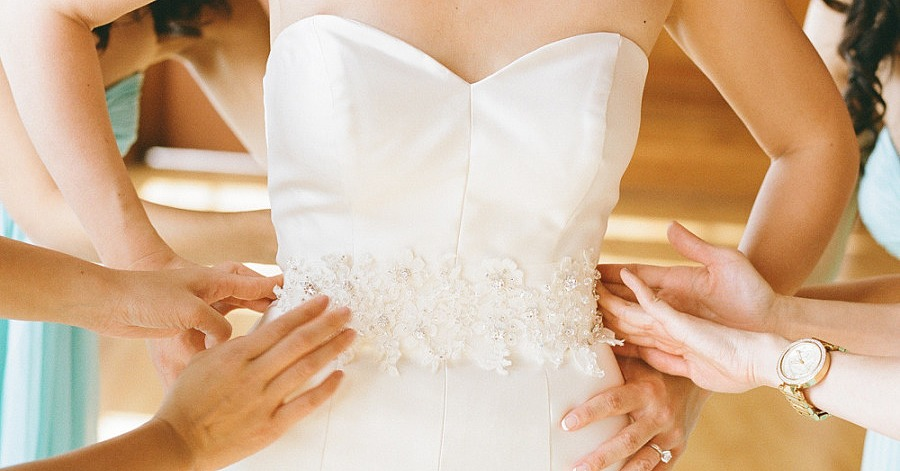 Tips for buying a wedding dress online popsugar tech for Virtual try on wedding dress