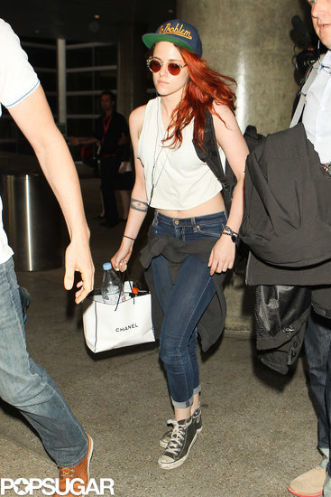 "Kristen Stewart had ""no problem"" as she made her way through LAX on Sunday."