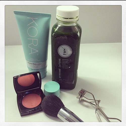 Miranda Kerr knows that beauty comes from within, so she stocks up on green Pressed Juices to feel and look her best.