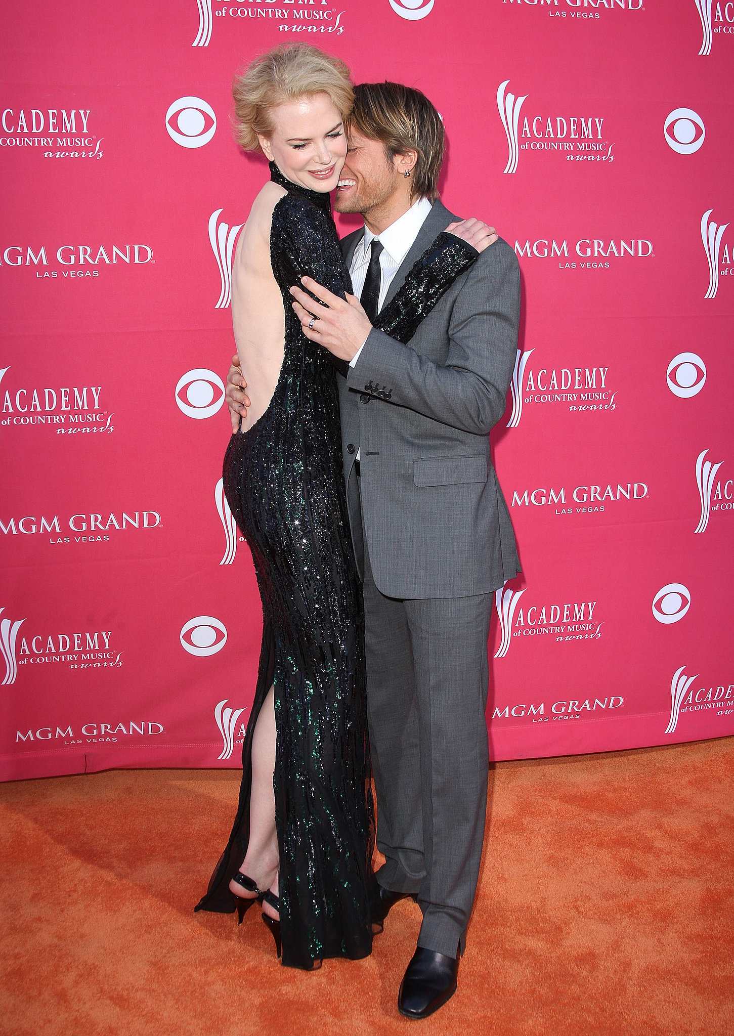 Keith nuzzled Nicole in April 2009 at the ACM Awards in Las Vegas.