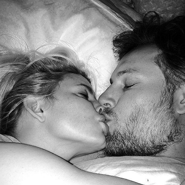 Jessica and Eric kissed for the camera in this February 2014 Instagram snap. Source: Instagram user jessicasimpson