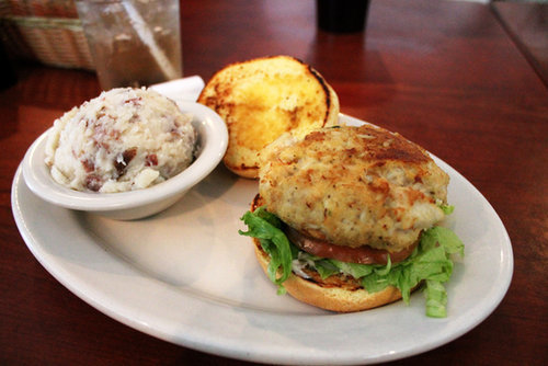 Maryland: Crab Cakes