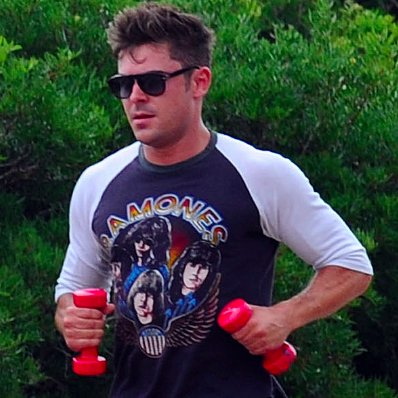Zac Efron Working Out in Italy   Pictures