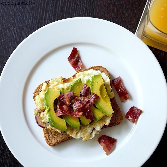 Turkey bacon, an egg, and a little avocado are a combo we're | All the ...
