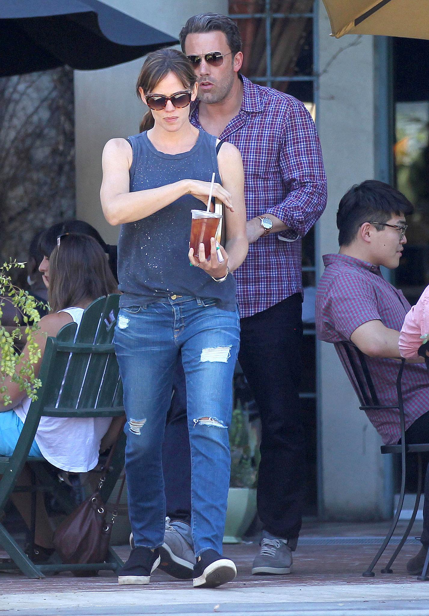 Jennifer Garner and Ben Affleck grabbed some cold beverages in LA's Brentwood area on Sunday.