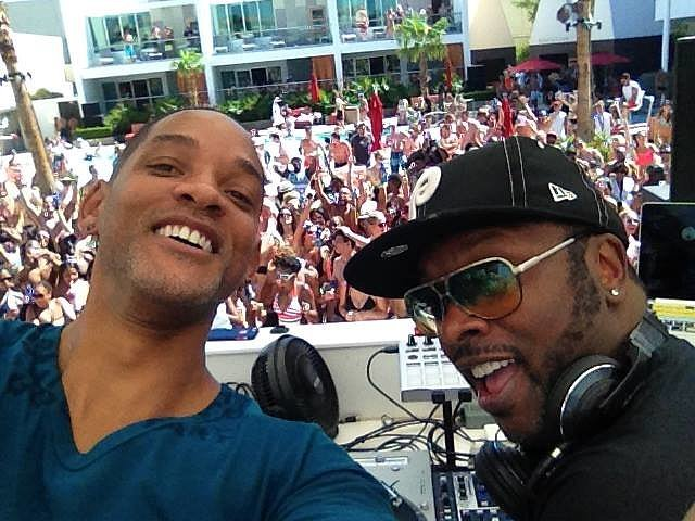 "Summer Is Complete — Will Smith Performed ""Summertime"" With DJ Jazzy Jeff"