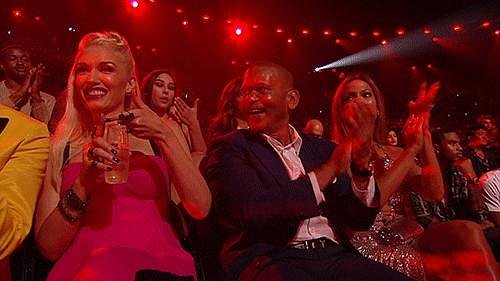 Gwen Stefani Had an Interesting Way of Clapping