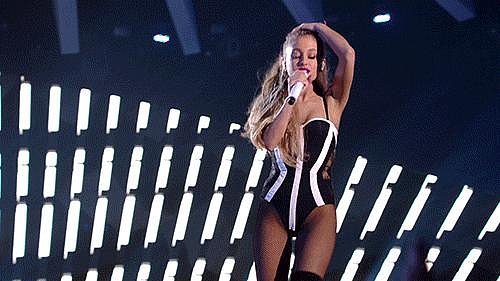 Ariana Grande Strutted Her Stuff on Stage