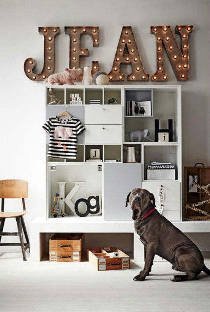 A name in lights from VTWonen — every kid's dream: Marquee lights add a modern, magical touch to this child's room styled by Cleo Scheulderman. Highly sought after and seldom affordable, vintage marquee lights are the ultimate name decor for kids' rooms. You can sometimes find miniversions on Etsy, but personally I think this DIY name light shared on Dos Family looks just as striking for a fraction of the price.