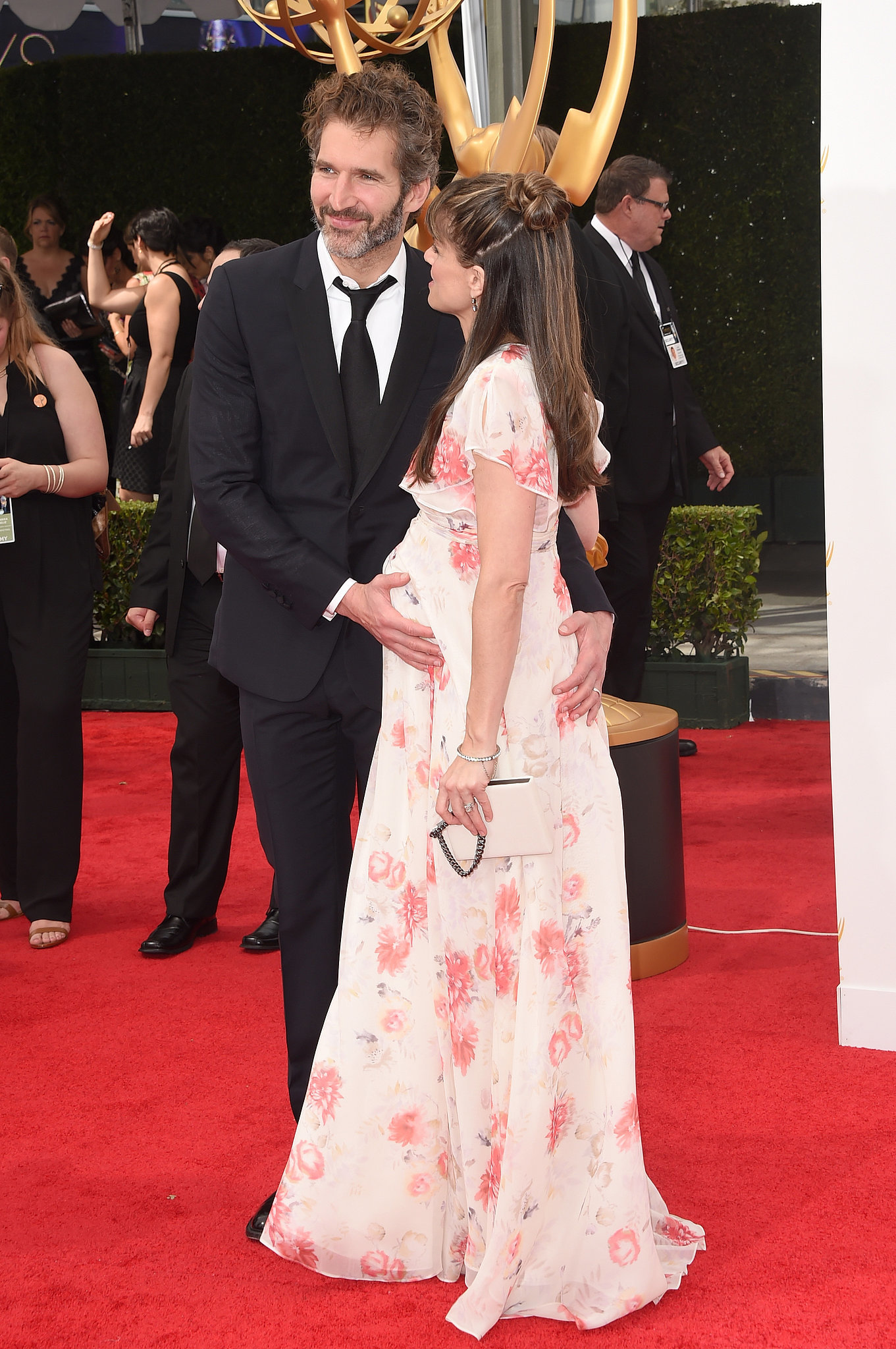 Amanda Peet Officially Carries the Cutest Accessory of the Night!