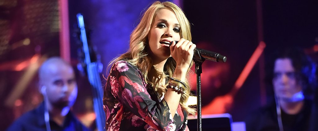 Carrie Underwood Debuts Her Baby Bump on Stage!