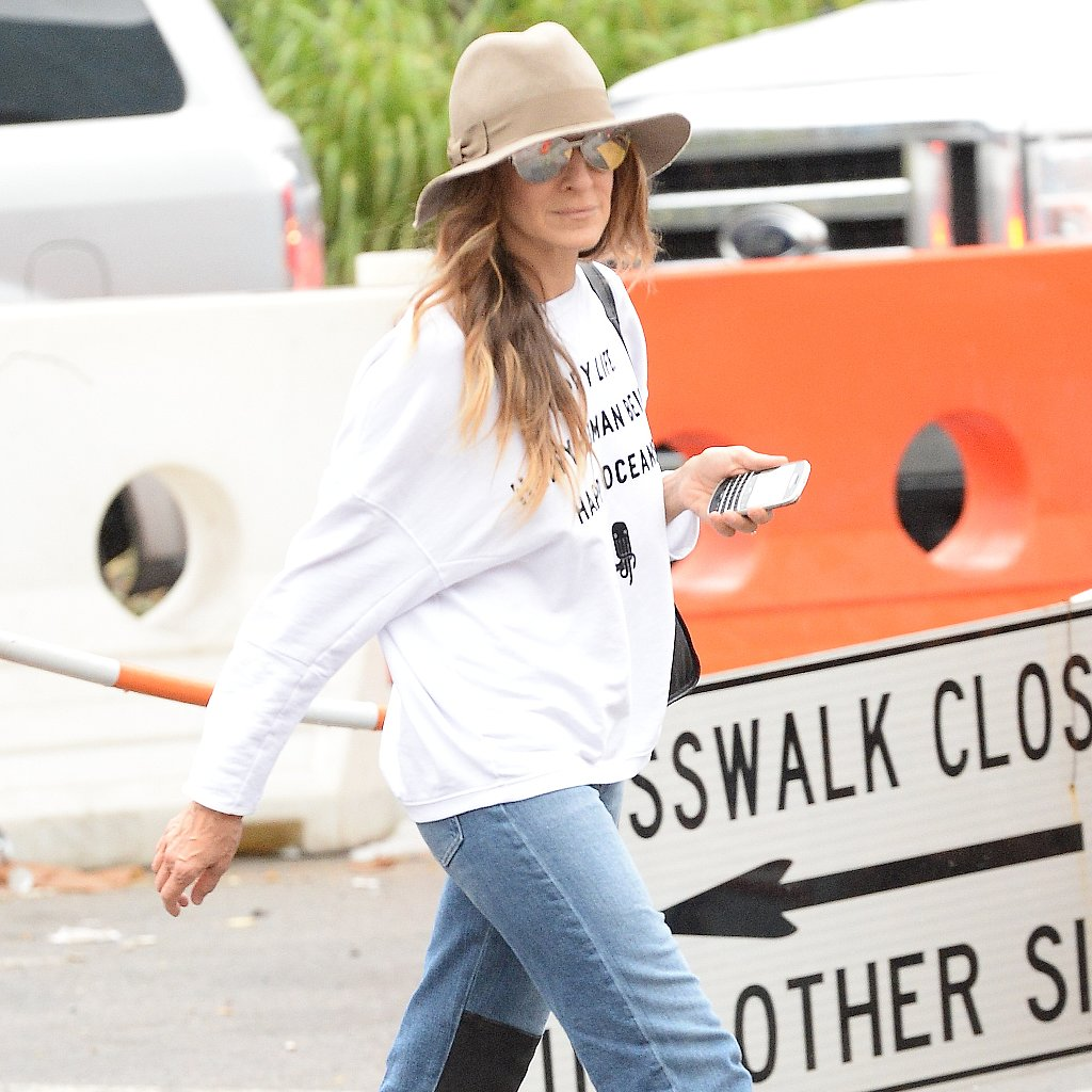 Sarah Jessica Parker Wearing a Fedora Street Style