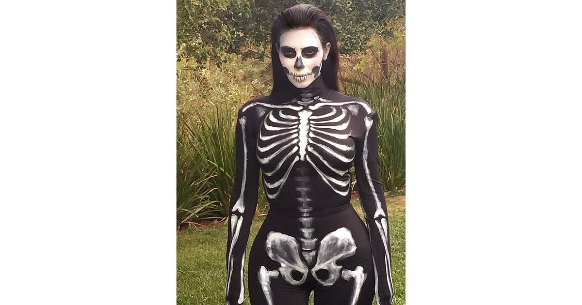 Kim Kardashian as a Walking Skeleton | Halloween ...