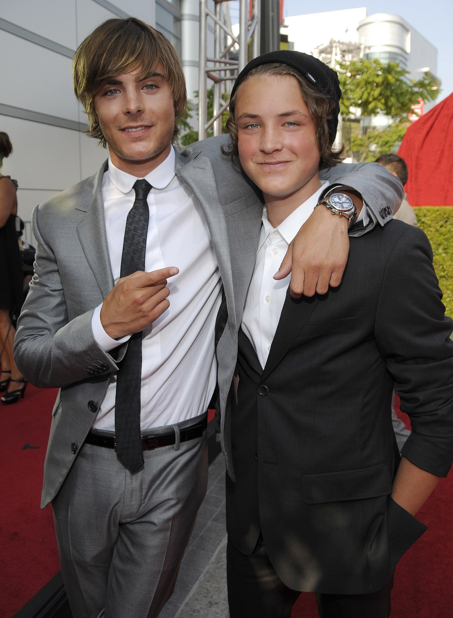 Zac and Dylan Efron | ...