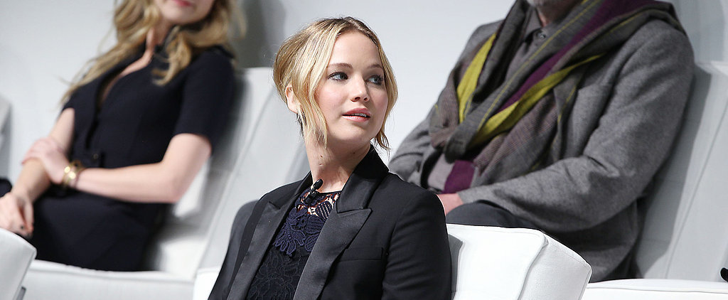 You Won't Believe the Hilarious Picture Jennifer Lawrence Has on Her Phone