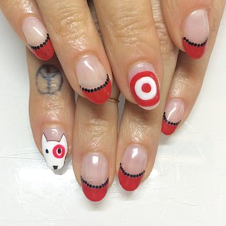 A Real Girl's Tips For Wearing Nail Art in the Business World