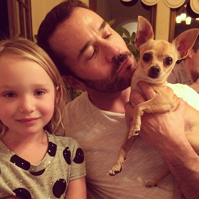 Jeremy Piven spent time with family members.