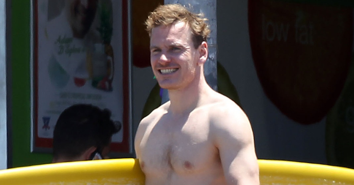 Shirtless Michael Fassbender Gets Crazy Sexy Without Even Trying 2 on oscar isaac facebook