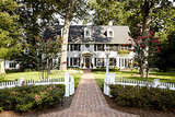 Houzz Tour: Much to Like About This Traditional Beauty (17 photos)
